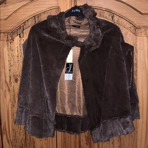 Coffee colored cape; one size, 100% acrylic NEW